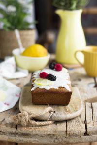 Plum cake o bizcocho de limón con semillas de amapola saludable